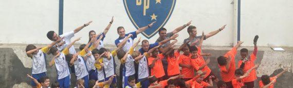 Criançada entra em campo para homenagear o aniversário do Clube Bom Pastor